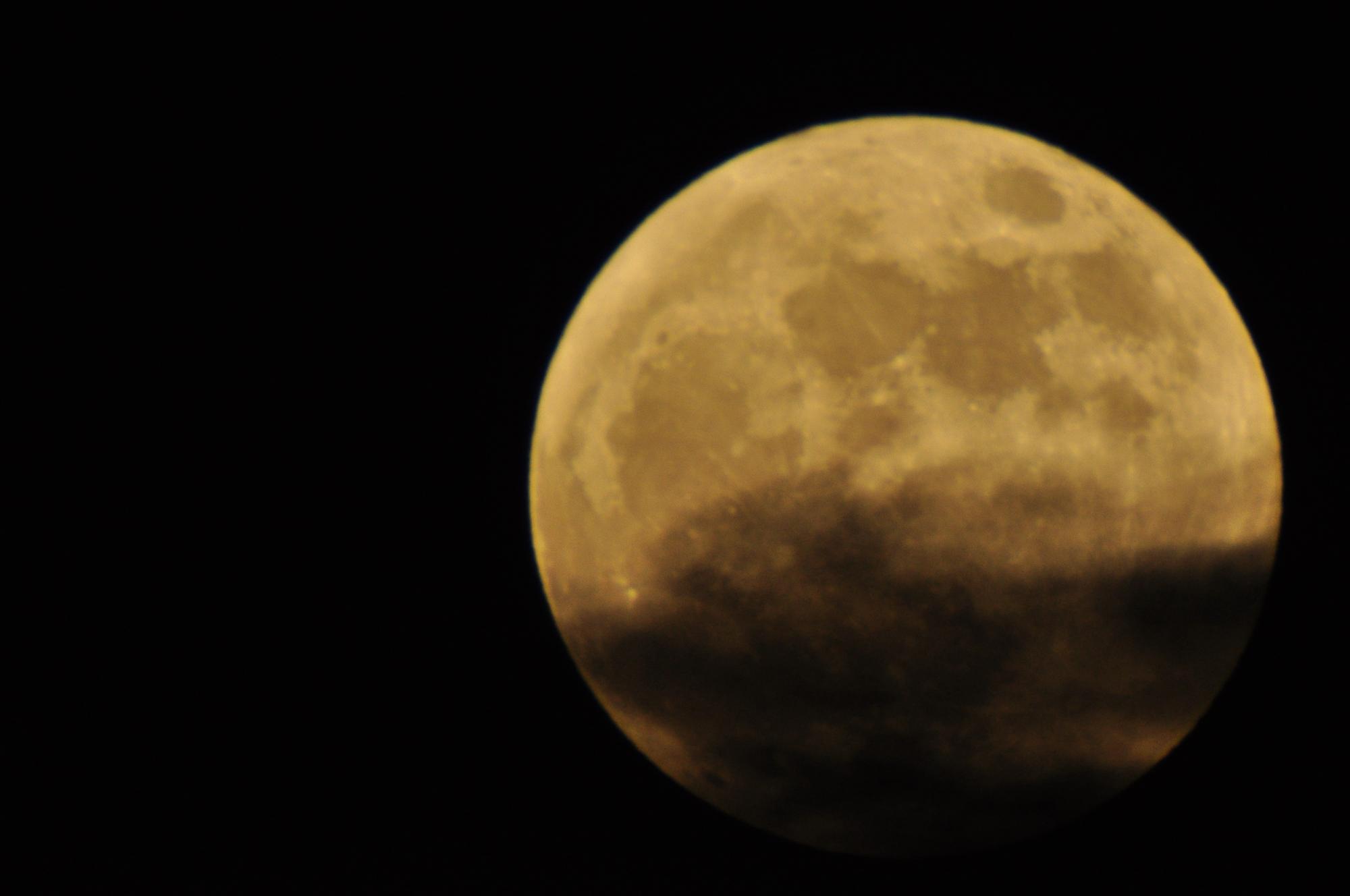 Supermoon Full Moon Rises Tonight Watch It Live Online
