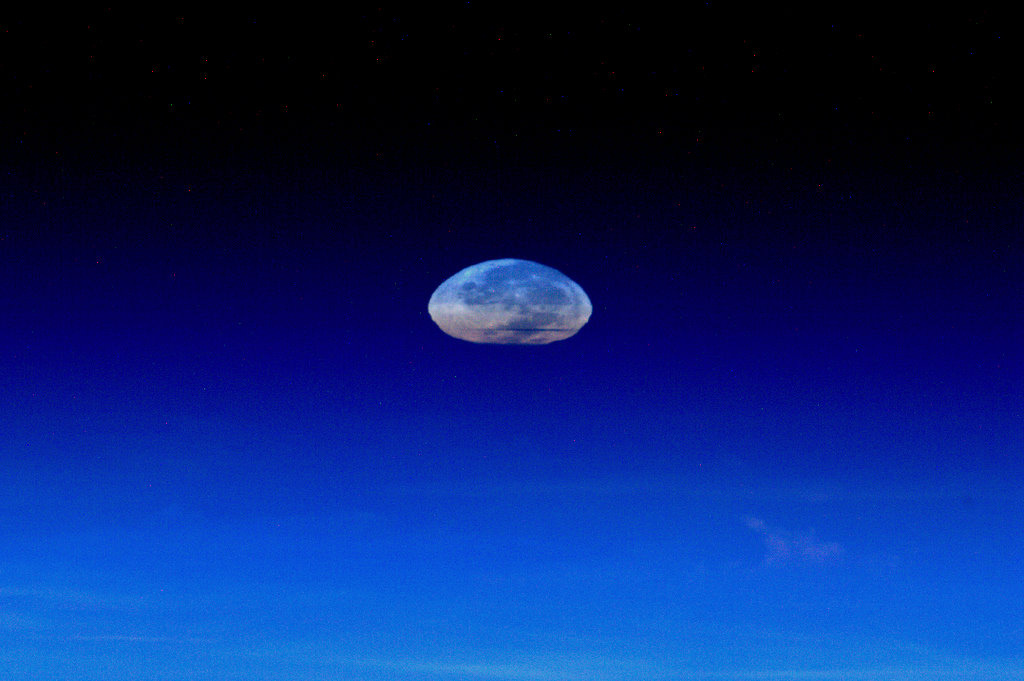 Astronaut Sees Squashed 'Supermoon' From Space (Photos)