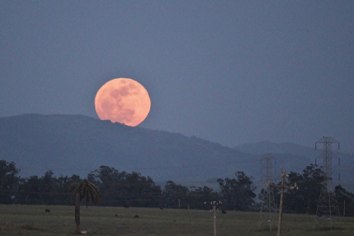 Supermoon Rising over Nipomo, CA
