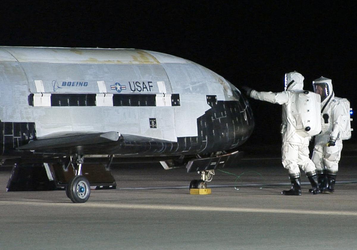 Air Force's Secret X-37B Space Plane Mission Ending Soon