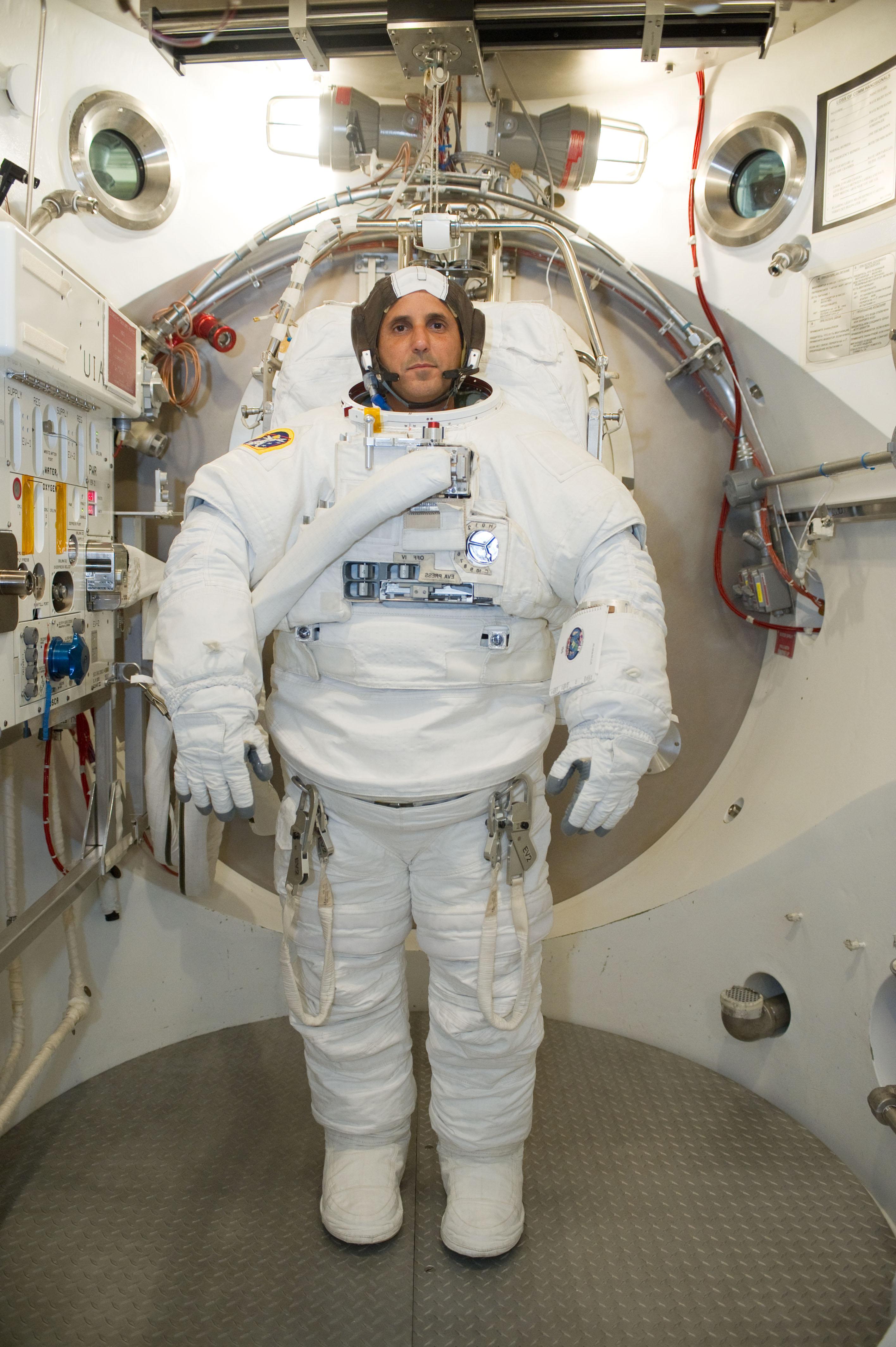 Astronaut Joe Acaba Suits Up