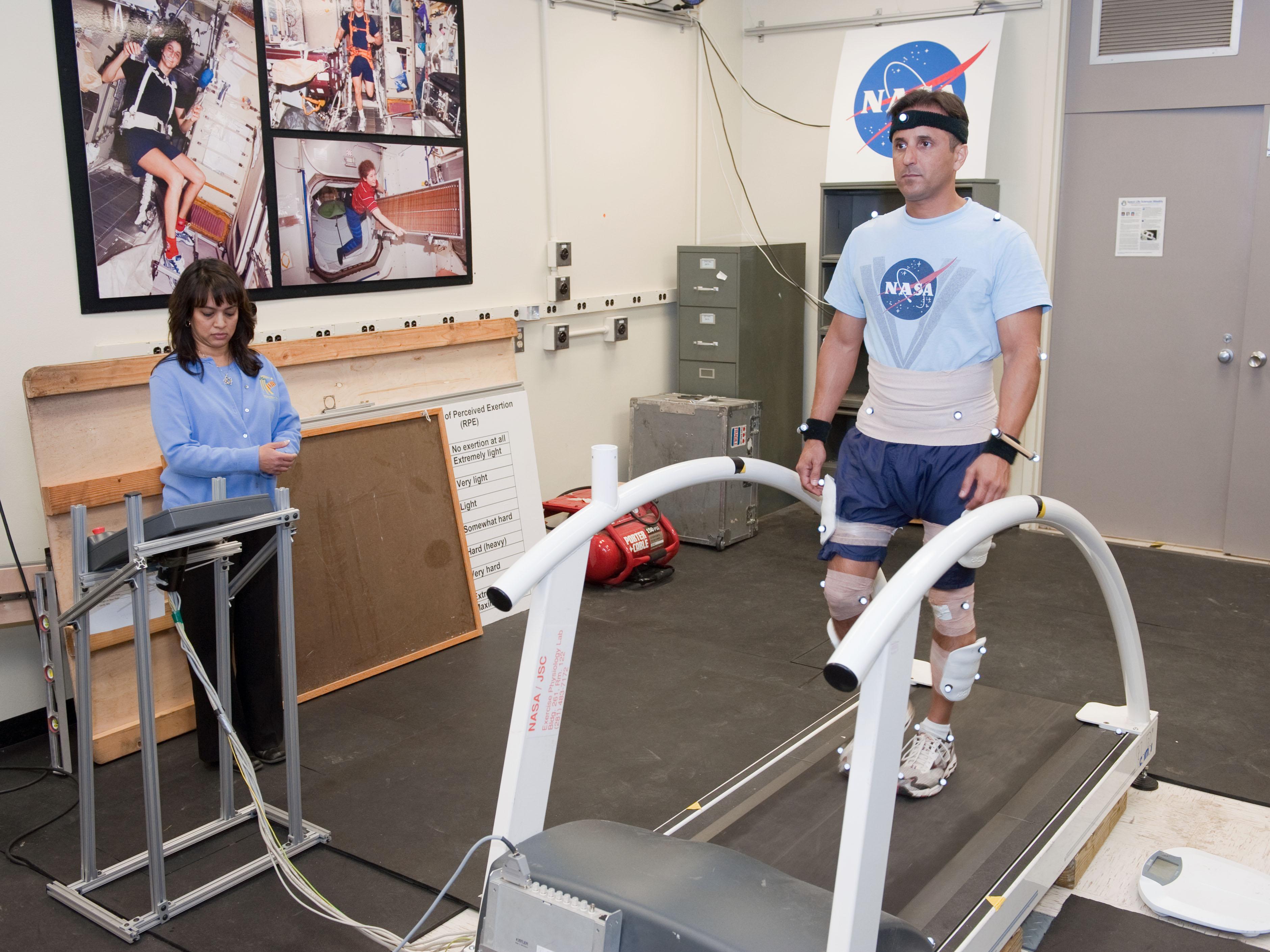 Astronaut Joe Acaba in Training