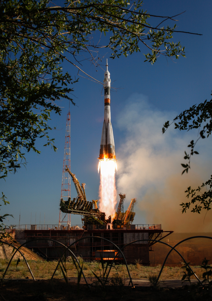 Soyuz TMA-04M Launches Expedition 31/32 Crewmembers
