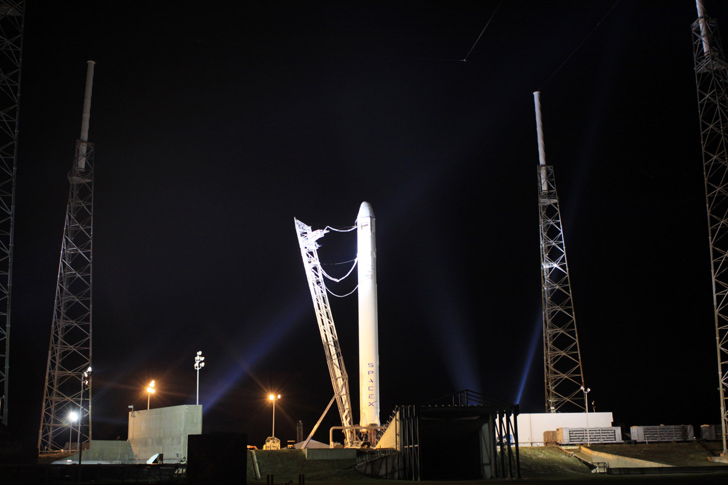 SpaceX Falcon 9 Rocket/Dragon Capsule at Night
