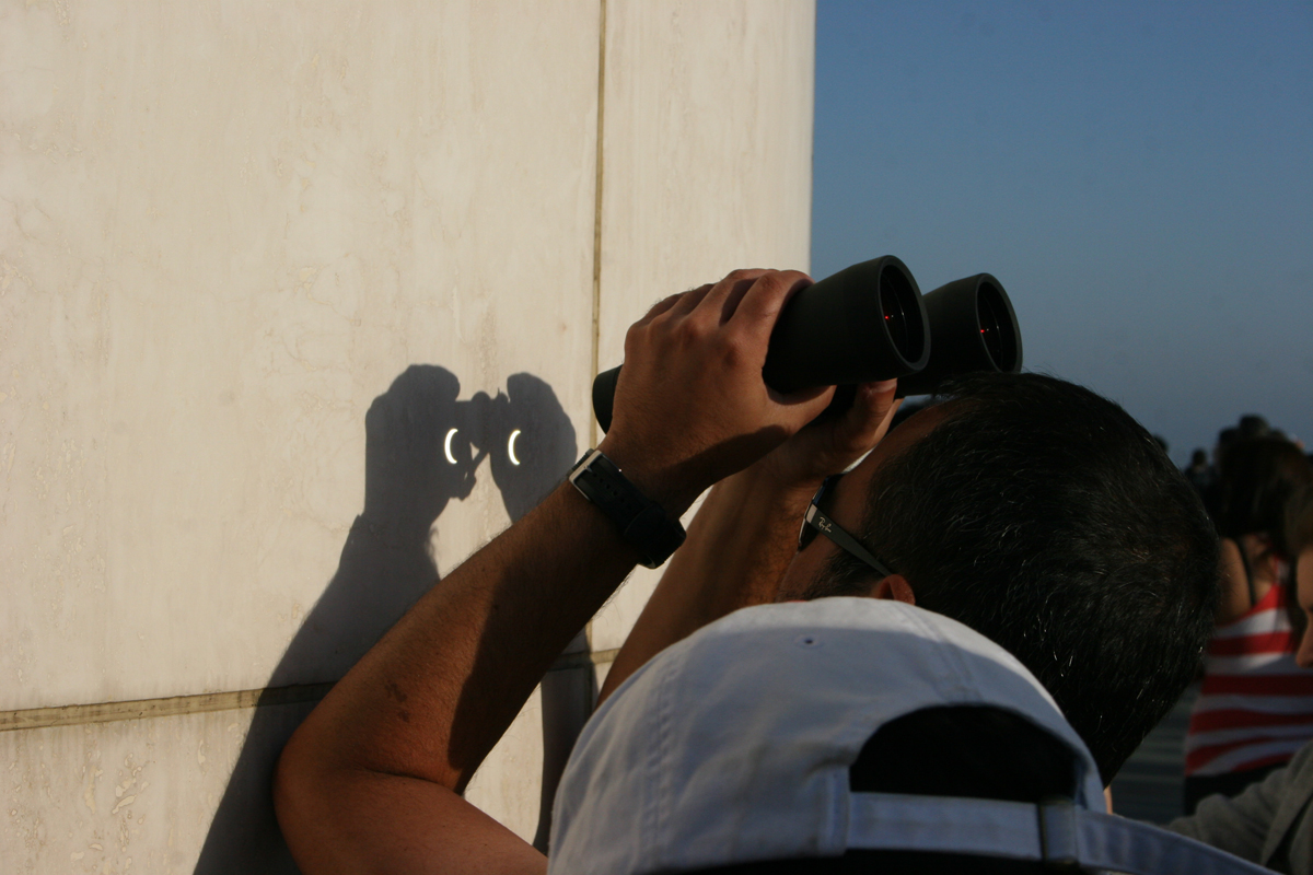 Binoculars for Eclipse Viewing at Griffith Observatory