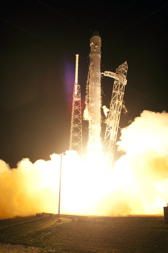 SpaceX's Private Rocket Launch Just Step 1 of Tough Test Flight