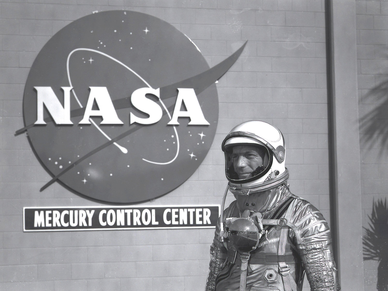 Aurora 7: Astronaut Scott Carpenter's Mercury Flight in ...