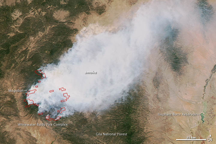 Huge New Mexico Wildfire Spotted by NASA Satellite