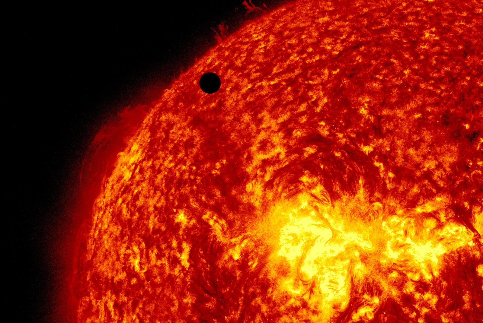 Venus Transit 2012: SDO Closeup
