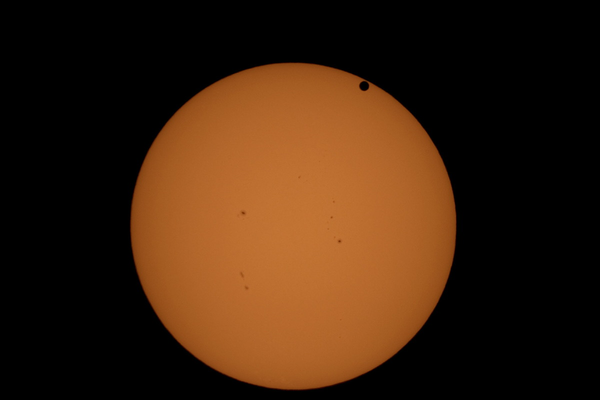 Venus Transit 2012 Photographed by Andrew Kwon