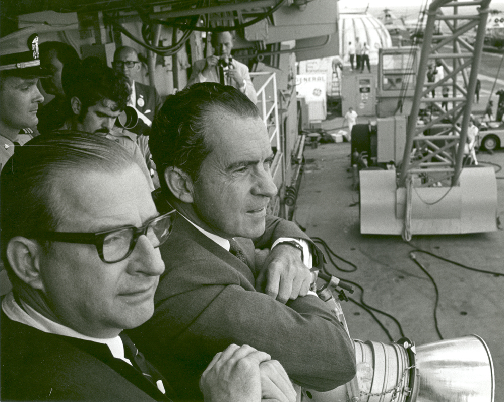 Space History Photo: President Nixon and Dr. Paine Wait to Meet Apollo 11 Astronauts