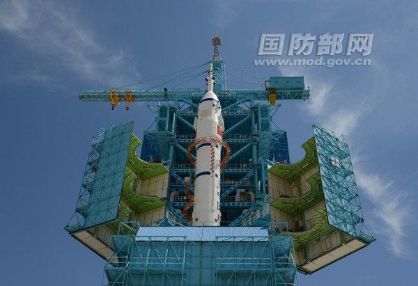 Shenzhou 9 in Transit
