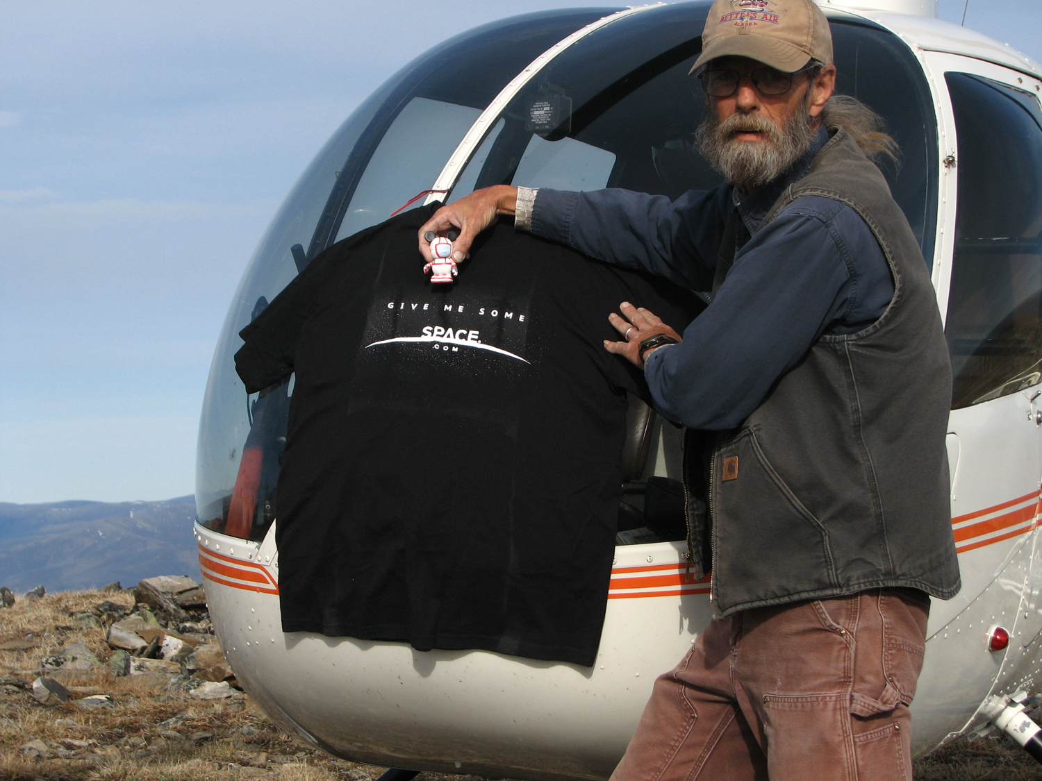 Balloon-Launched SPACE.com T-Shirt Found in Alaskan Wilderness