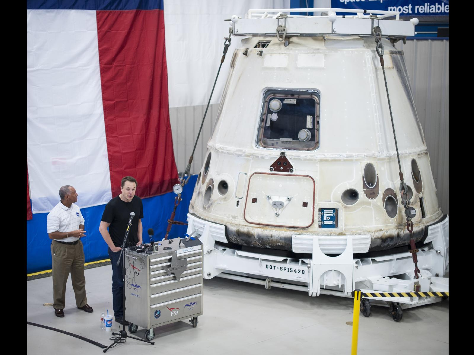 Bolden, Musk Admire History-Making Dragon Capsule