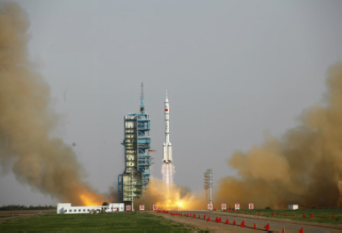 Liftoff for Shenzhou 9!