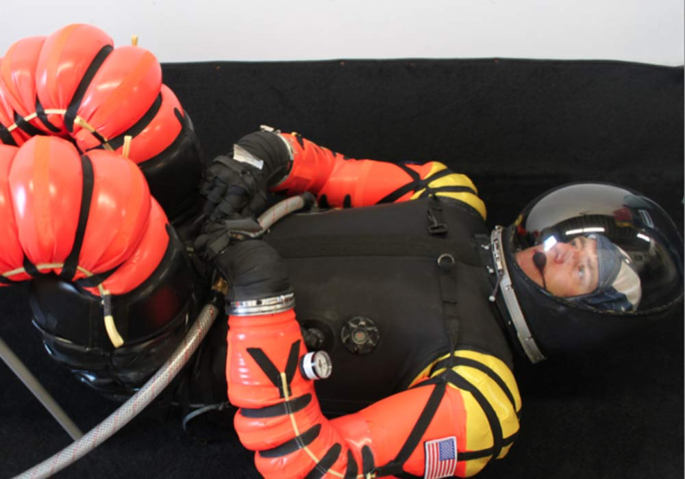 Startup's $10,000 Spacesuit Looks for Crowdfunding