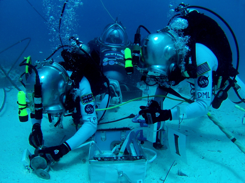 EVA team work for NASA NEEMO16