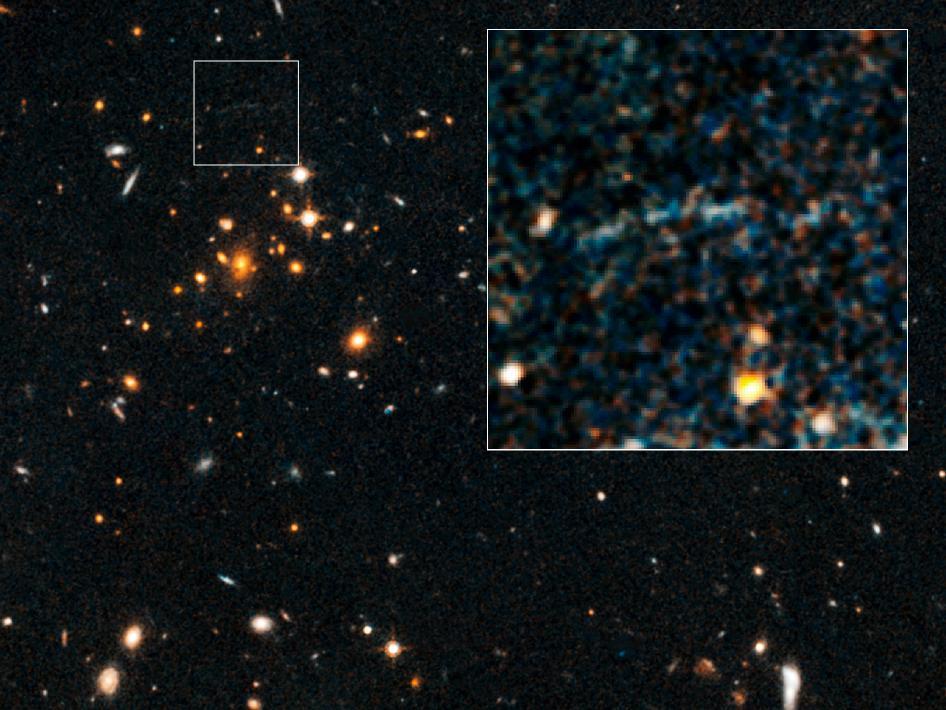 NASA's Hubble Space Telescope Spots Massive Distant Galaxy Cluster