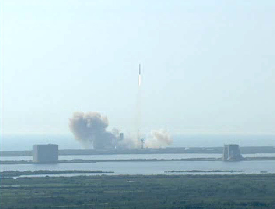 Delta 4 Rocket Launches U.S. Spy Satellite