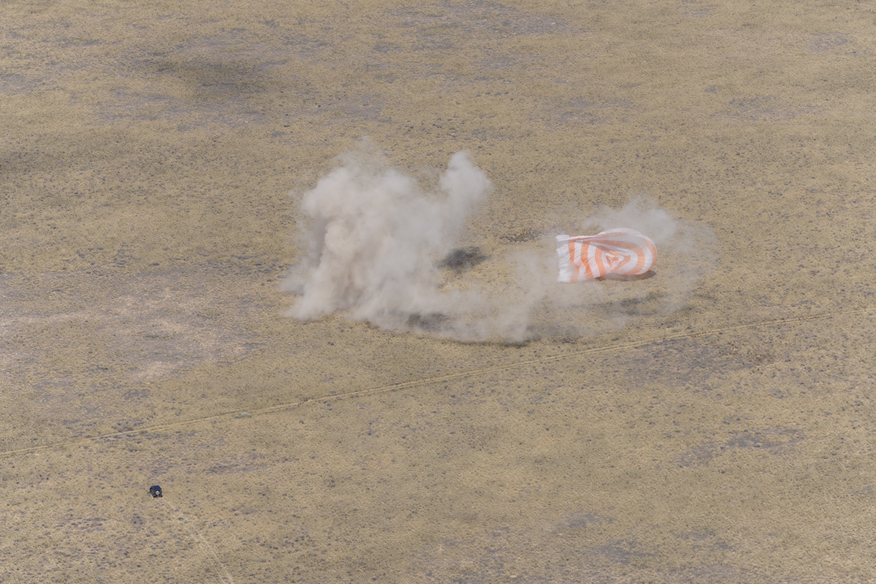 Soyuz Chute Dust Cloud