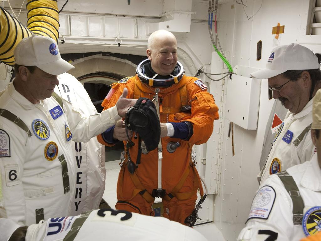 NASA Mourns Tragic Death of Retired Astronaut Alan Poindexter