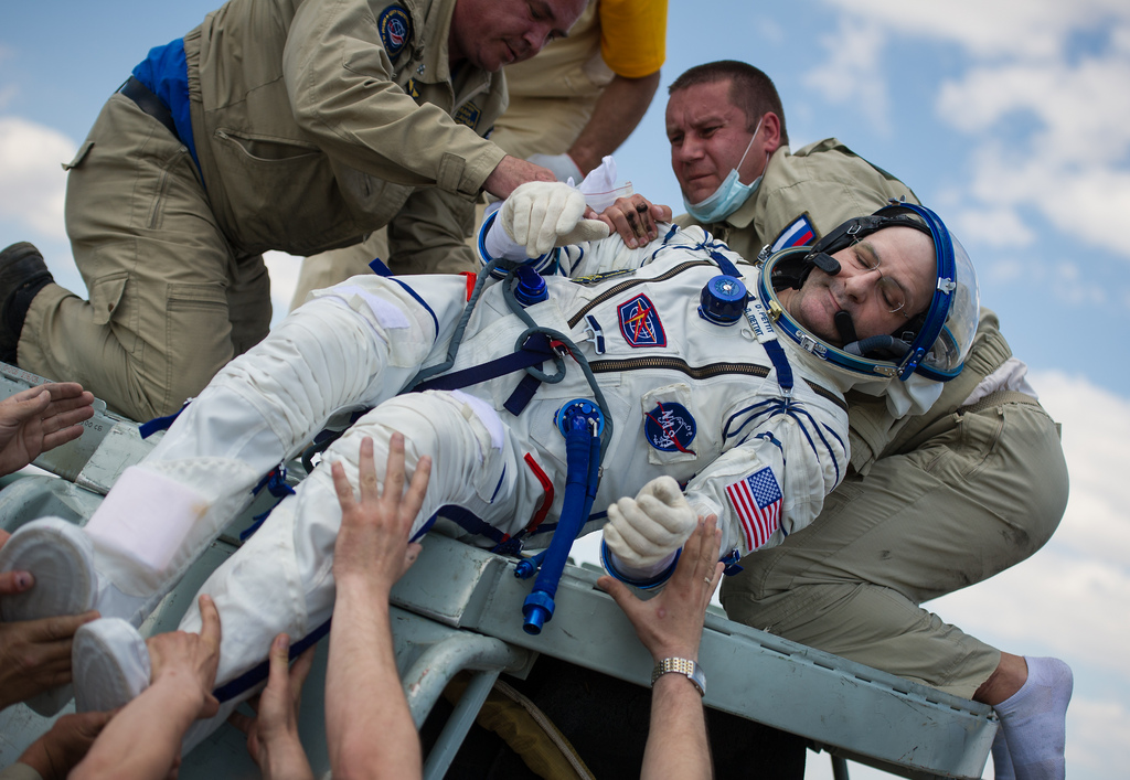 NASA Astronaut Don Pettit Lifted Out of Soyuz Capsule