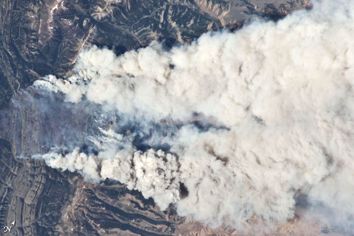 Astronaut's Photo Captures Blazing Wyoming Wildfire