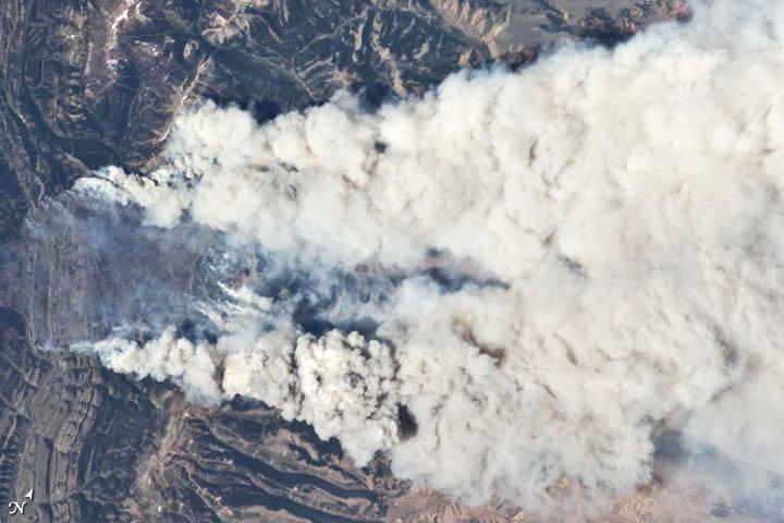 Astronaut's Photo Captures Blazing Wyoming Wildfire