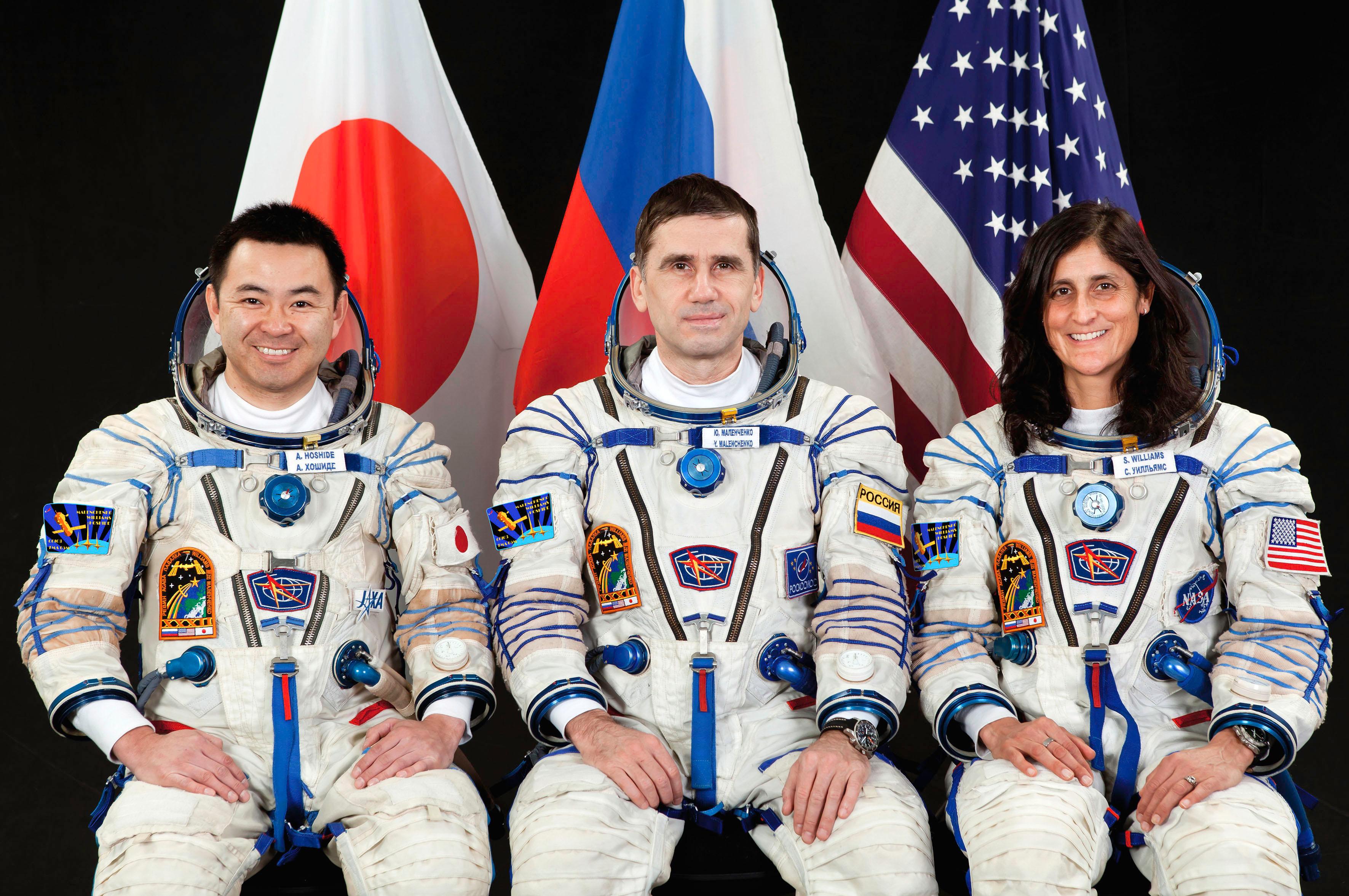 Crew Members Williams, Hoshide, Malenchenko