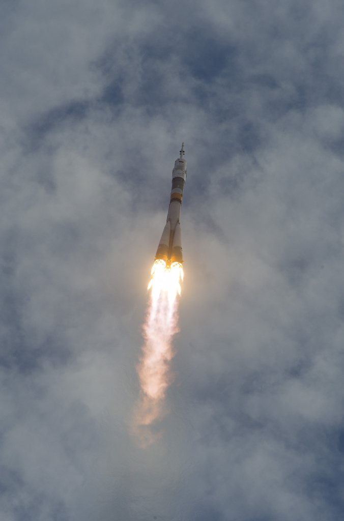 Soyuz Rocket Launches New ISS Crew