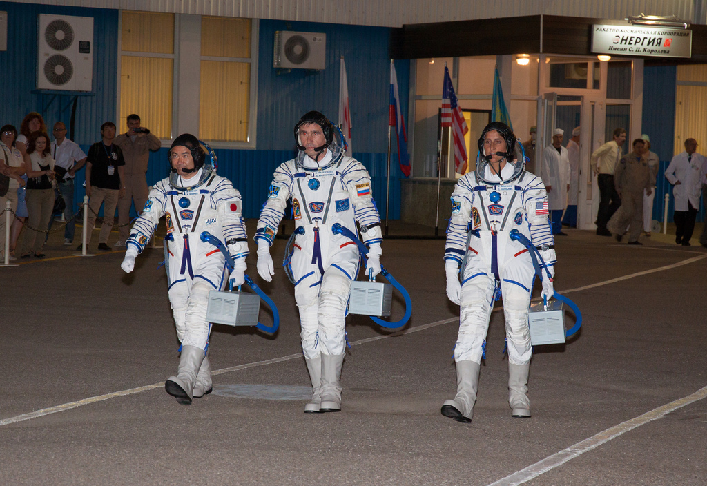 Expedition 32/33 Crew Preflight