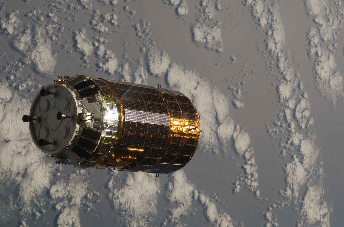 Japanese H-II Transfer Vehicle (HTV) Nears the ISS