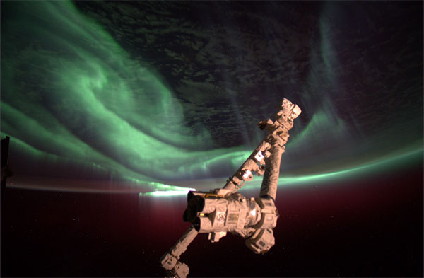 Amazing Southern Lights View from Space Leaves Astronaut Awestruck