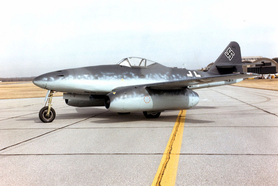 Messerschmidt Me 262 fighter jet
