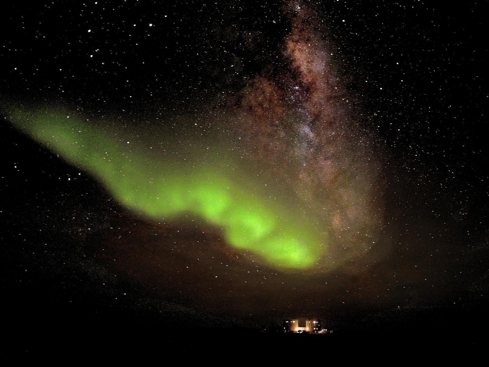 Aurora Australis over Concordia Station 1600