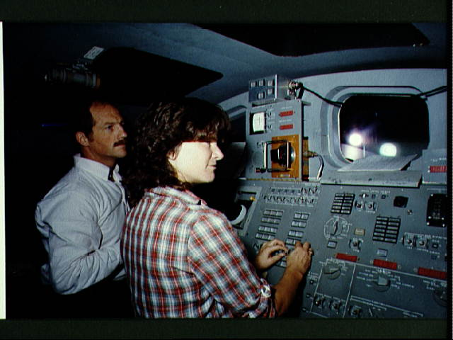Sally Ride & Frederick Hauck Train for STS-7 Mission