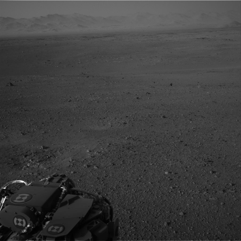 Curiosity Raw Image Navcam: Right A Full, 2012-08-08 07:05:05 UTC