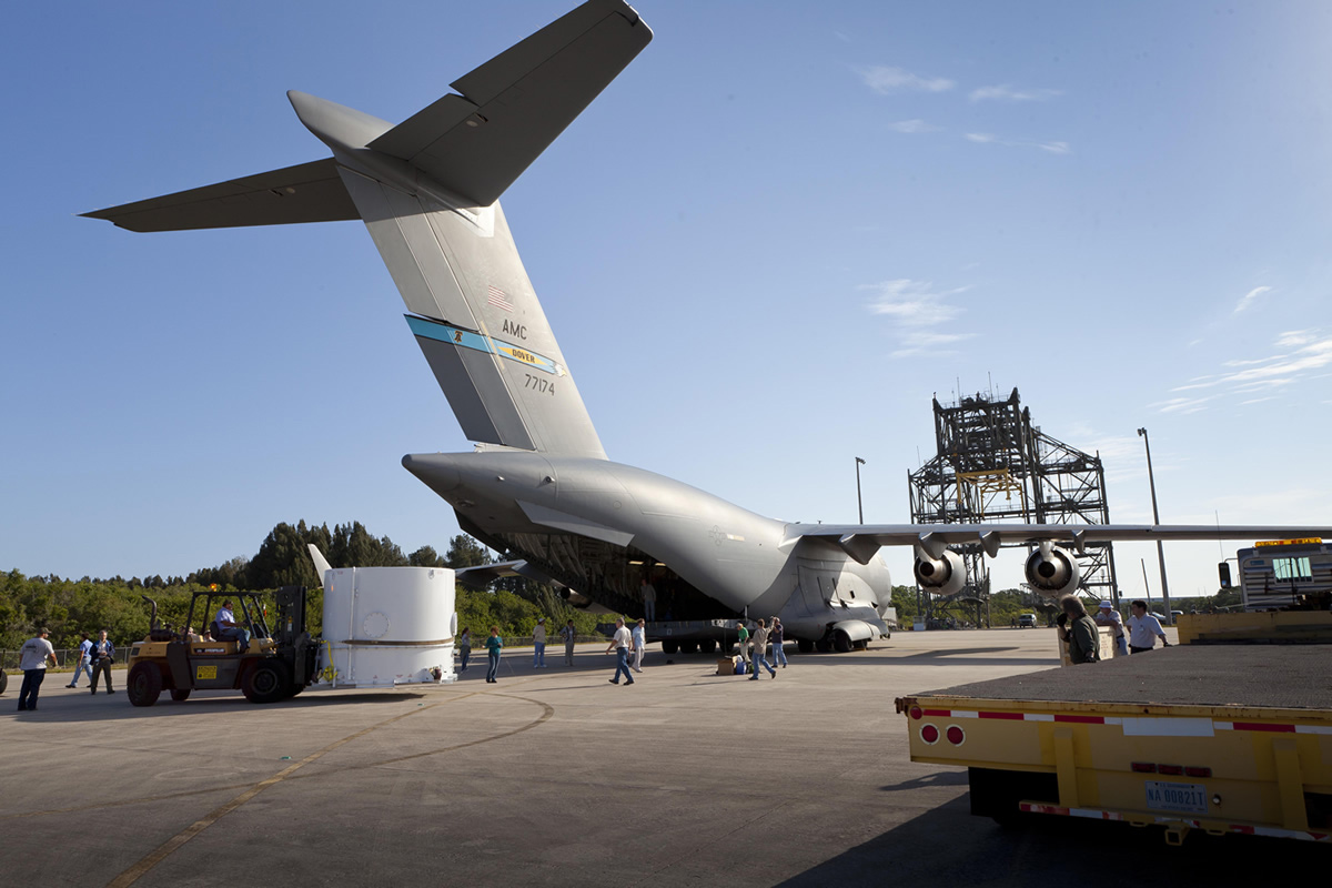 Twin RBSP Spacecraft Arrive at KSC — Tail View