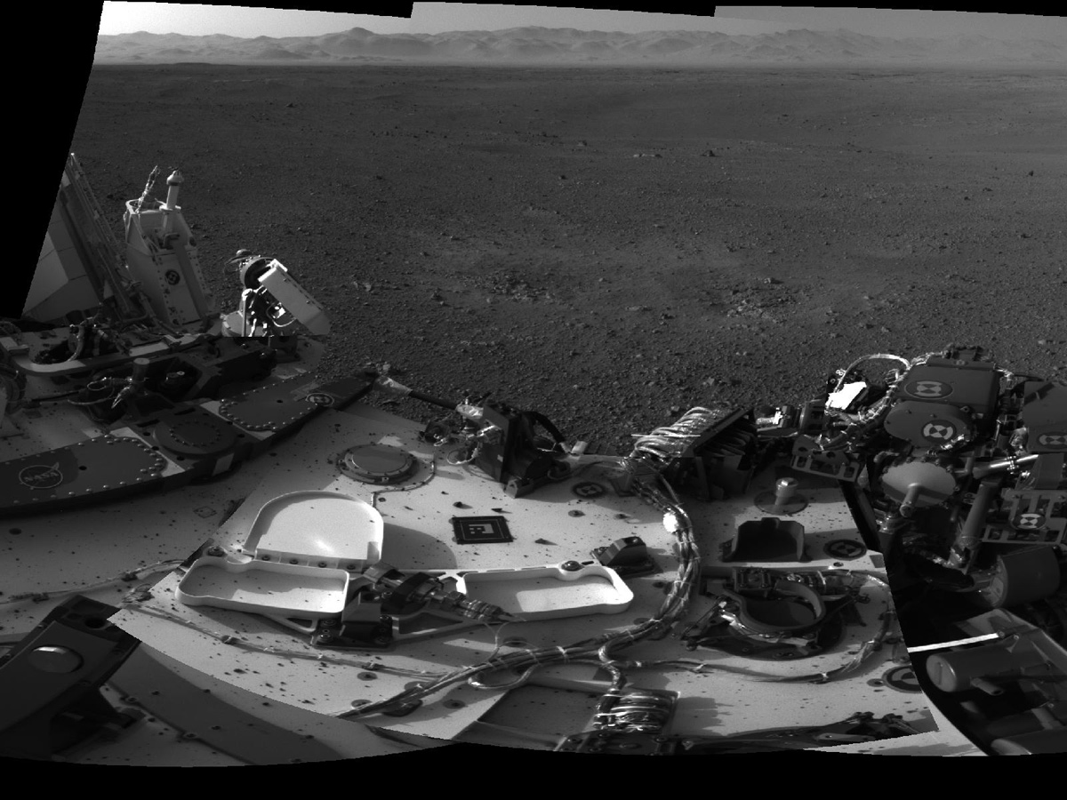 Mars Curiosity Rover with Rocks