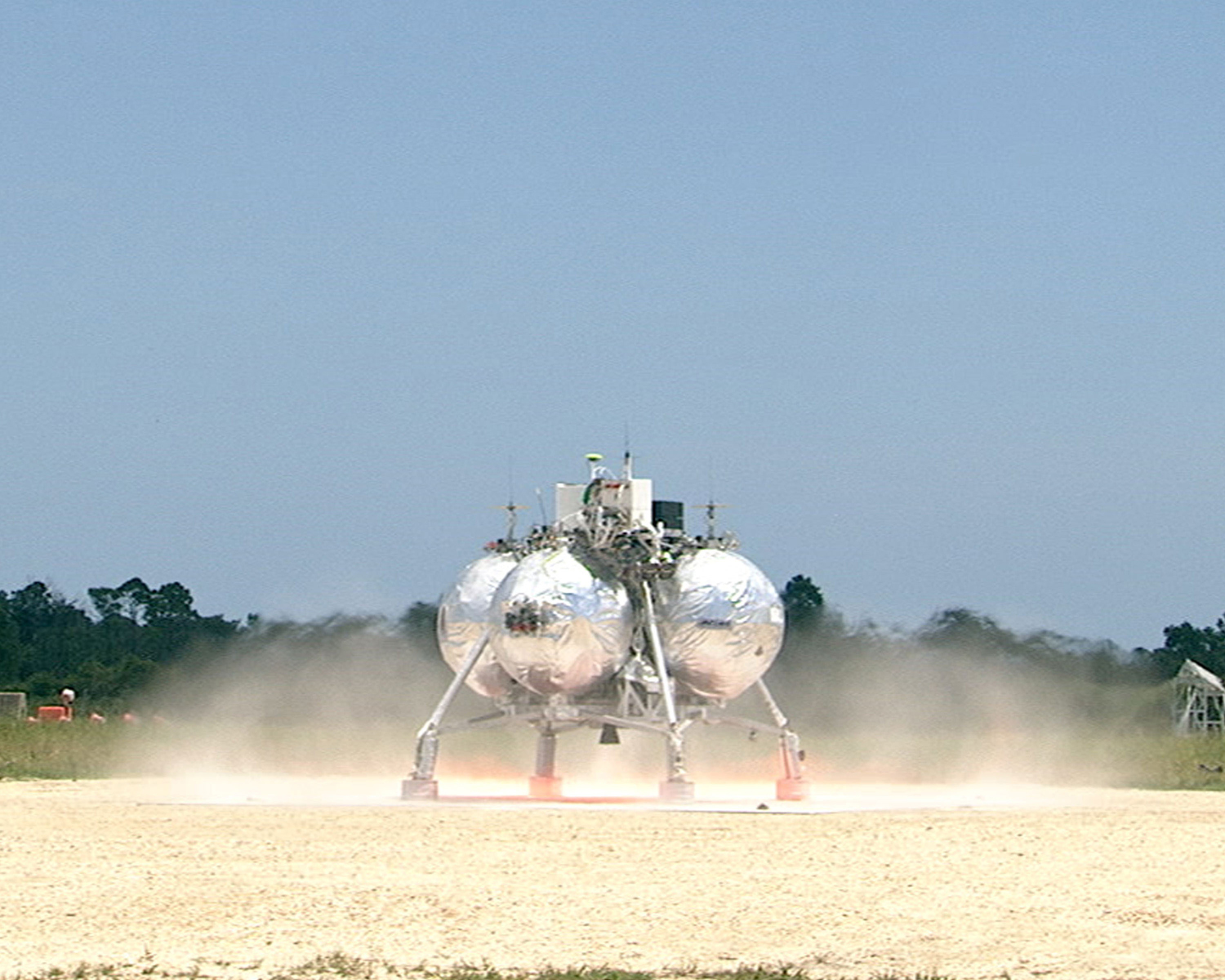 Morpheus Lander Lifts Off on Free Flight