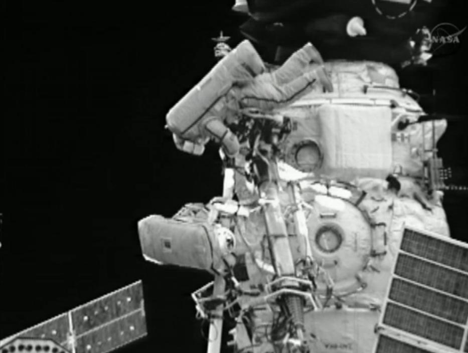 Cosmonauts Spacewalk Outside ISS: Aug. 20, 2012
