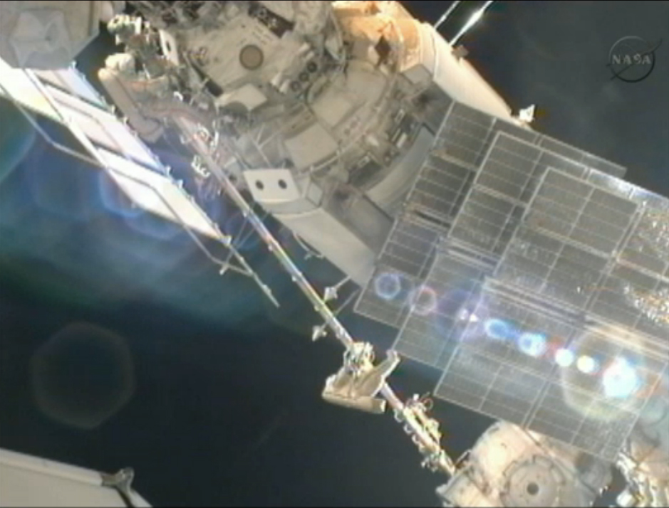 Cosmonauts Ride Space Crane: Aug. 20, 2012