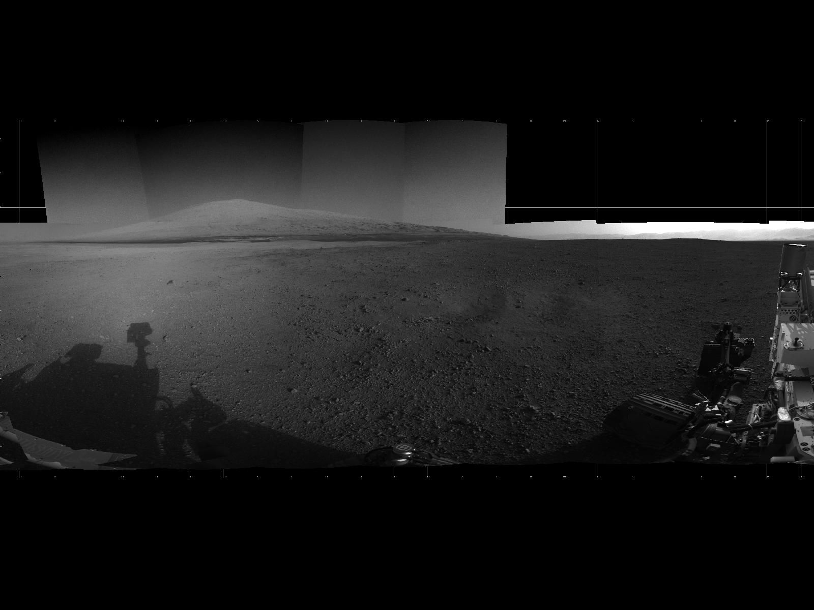 Mount Sharp on Mars: Curiosity Rover's Panoramic View (Photo)