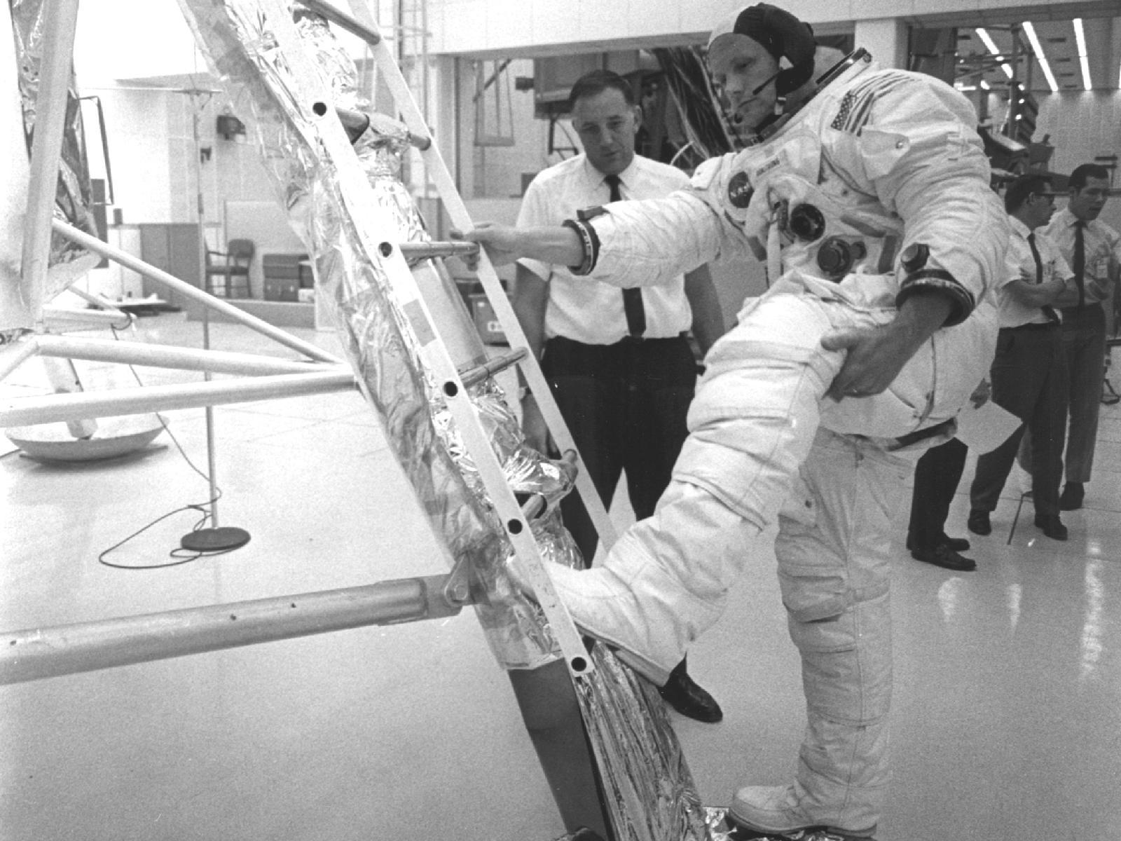 Neil Armstrong's Moonwalk Training