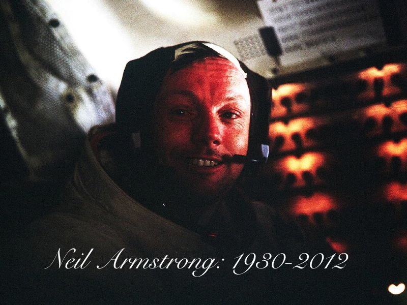 Neil Armstrong Dies at 82