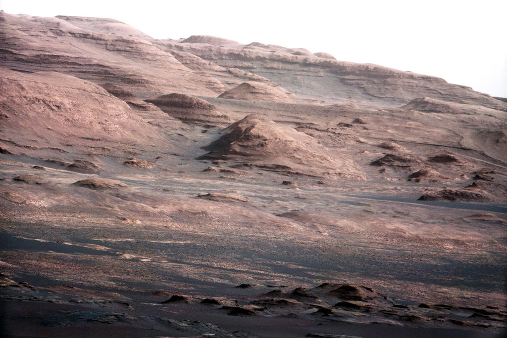 Mars Rover Snaps Amazing View of Martian Mountain (Photo)