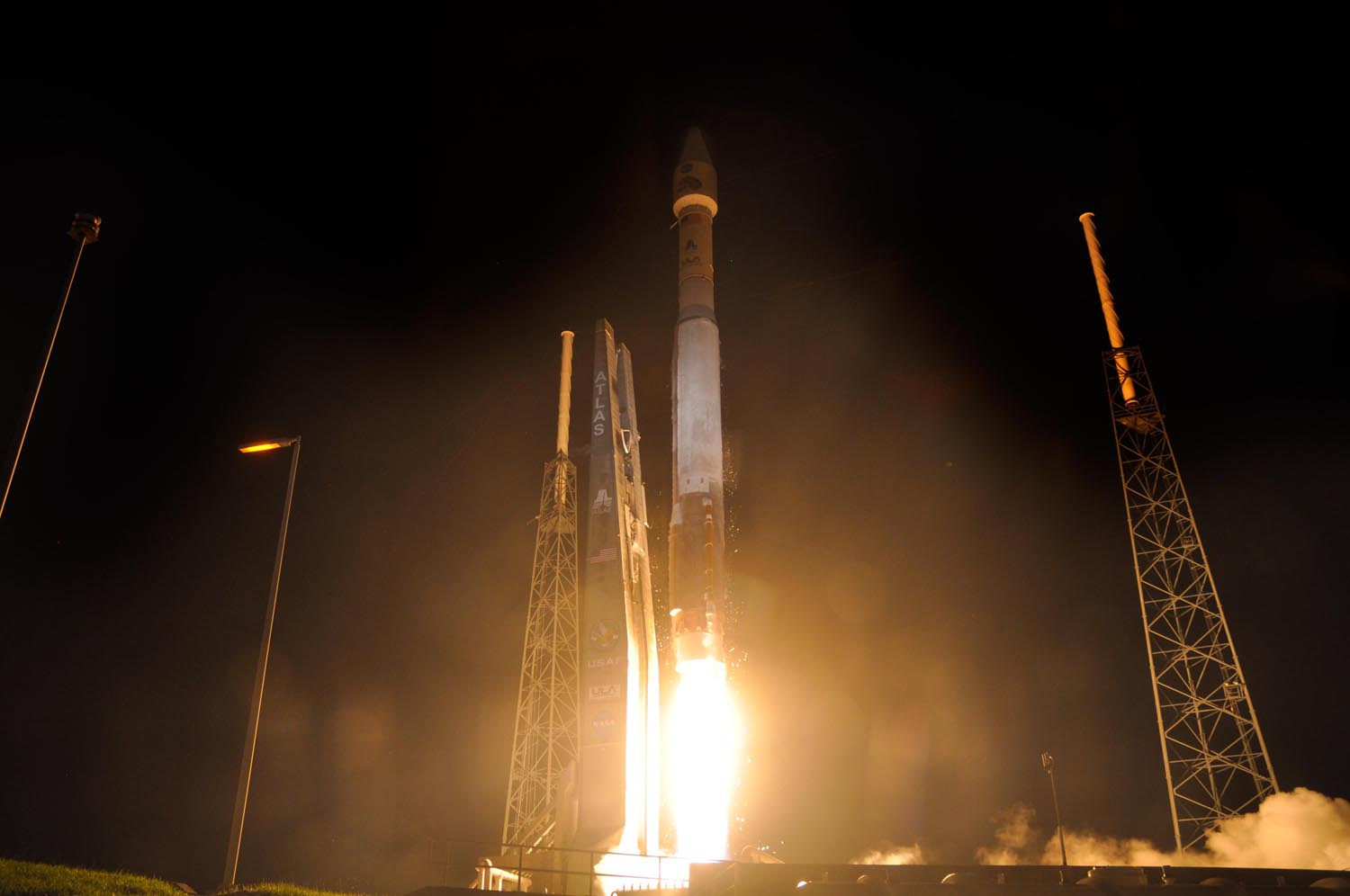 Stunning Launch Photo: Radiation Belt Storm Probes