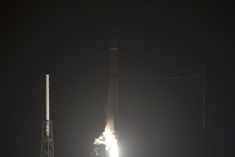 Atlas V Rocket Radiation Belt Storm Launch