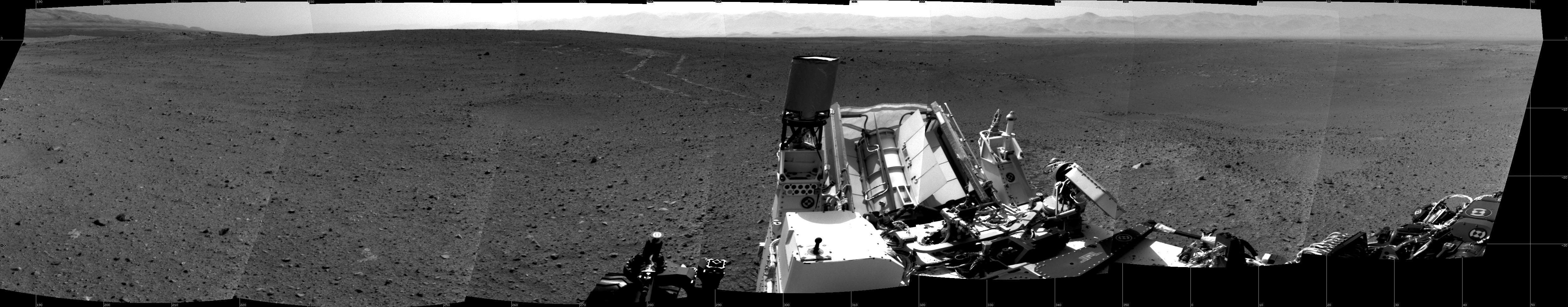New 360-Degree Photo Shows Latest View from Mars Rover Curiosity