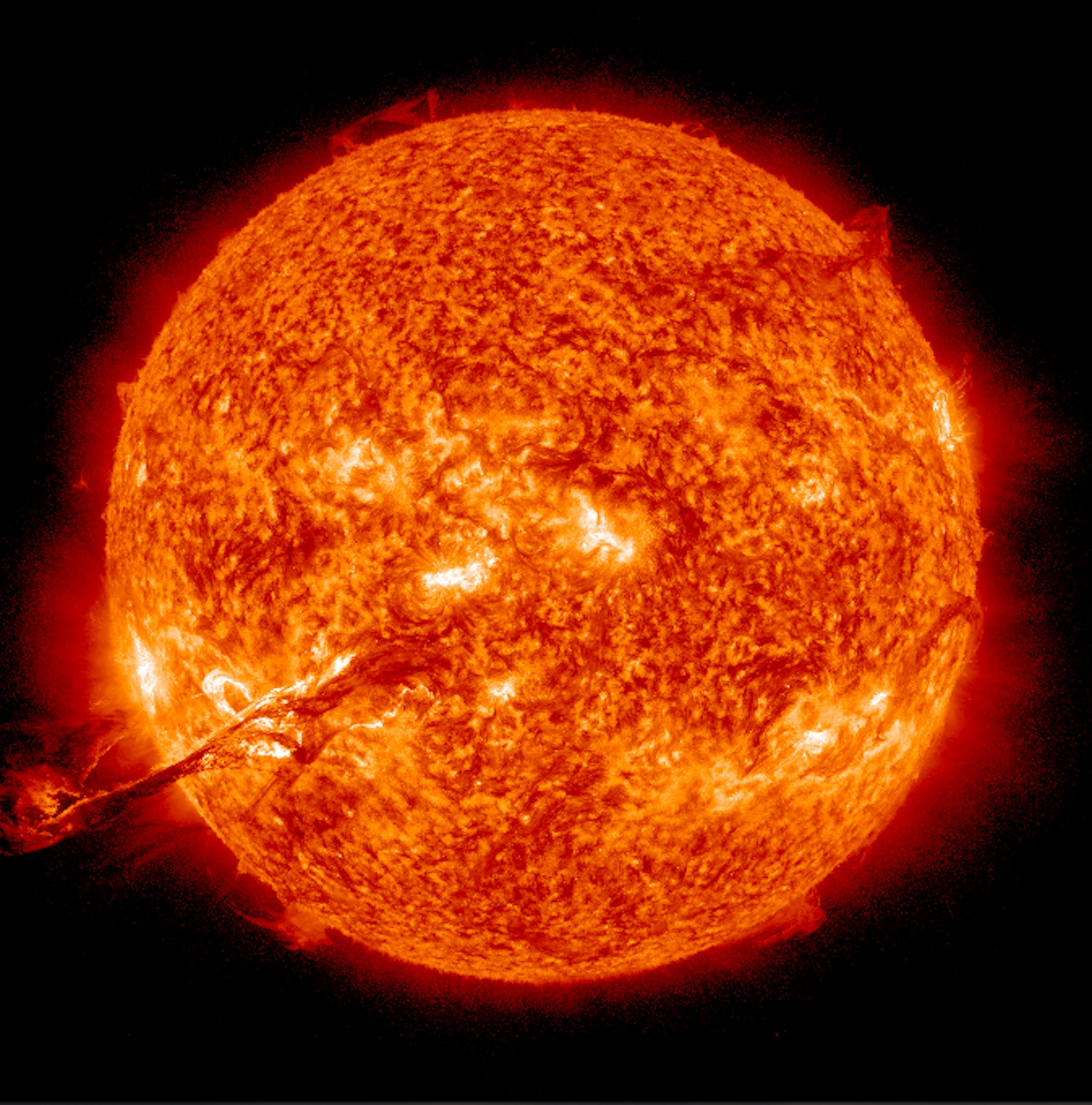 Plasma Prominence from the Sun (Aug. 31, 2012)